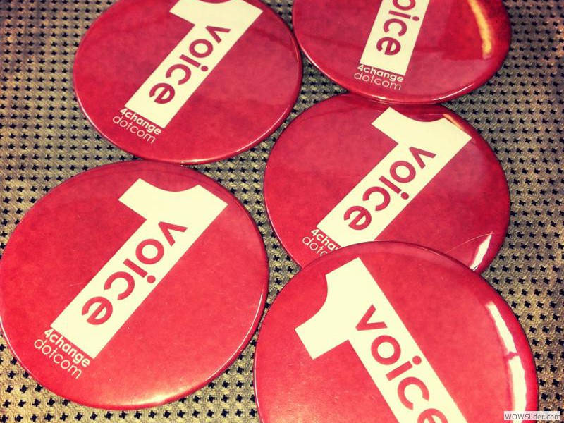 1voice4change buttons